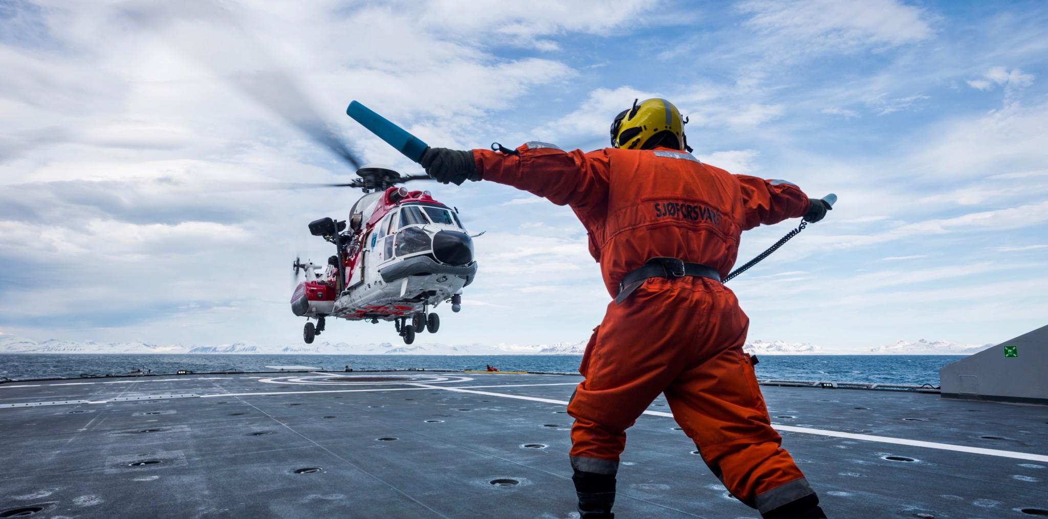 Krever helikoptersvar fra regjeringen