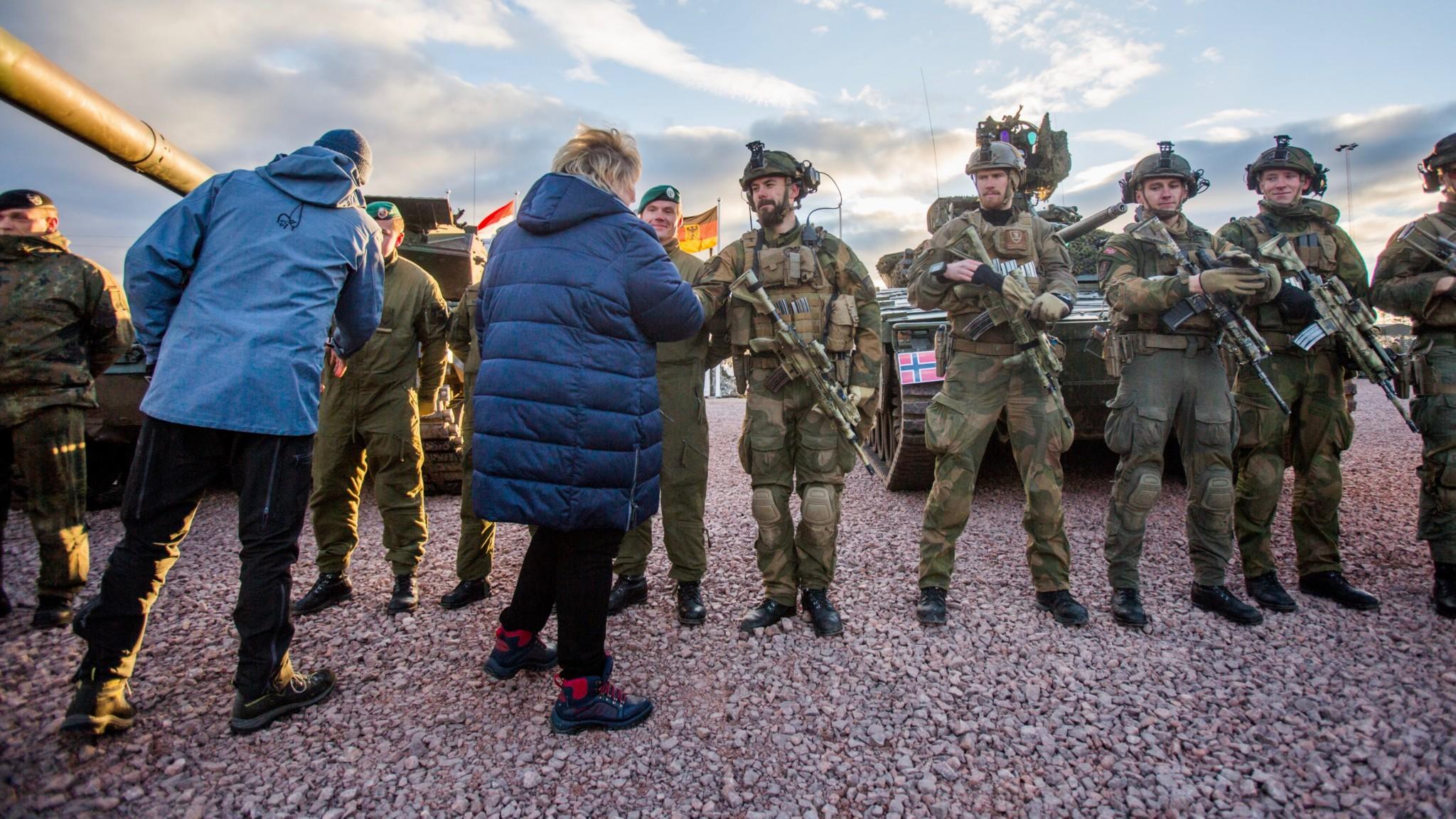 Høyre-utvalg krever mer til Forsvaret