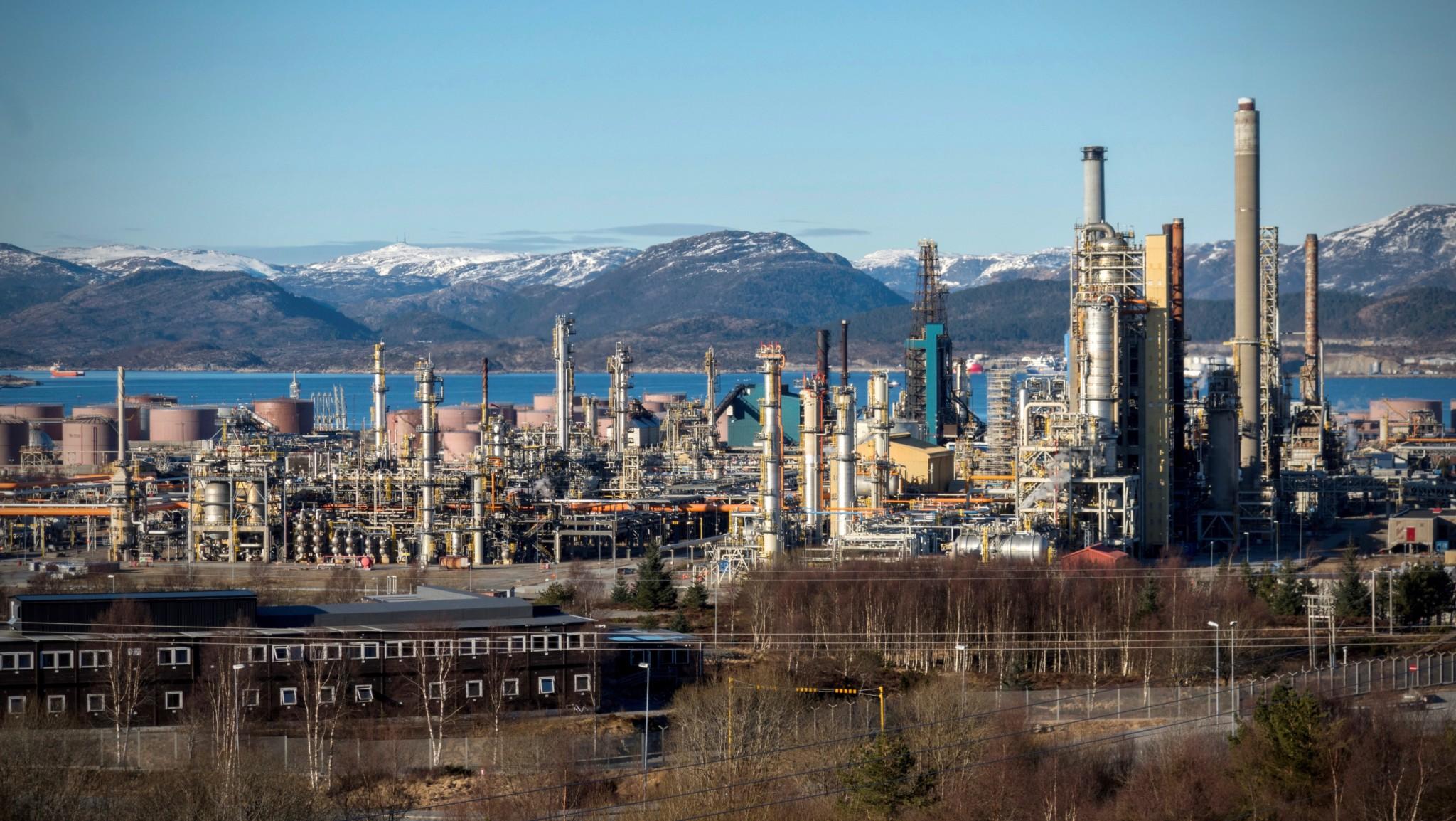 Toner ned dronetrussel mot olje og gass
