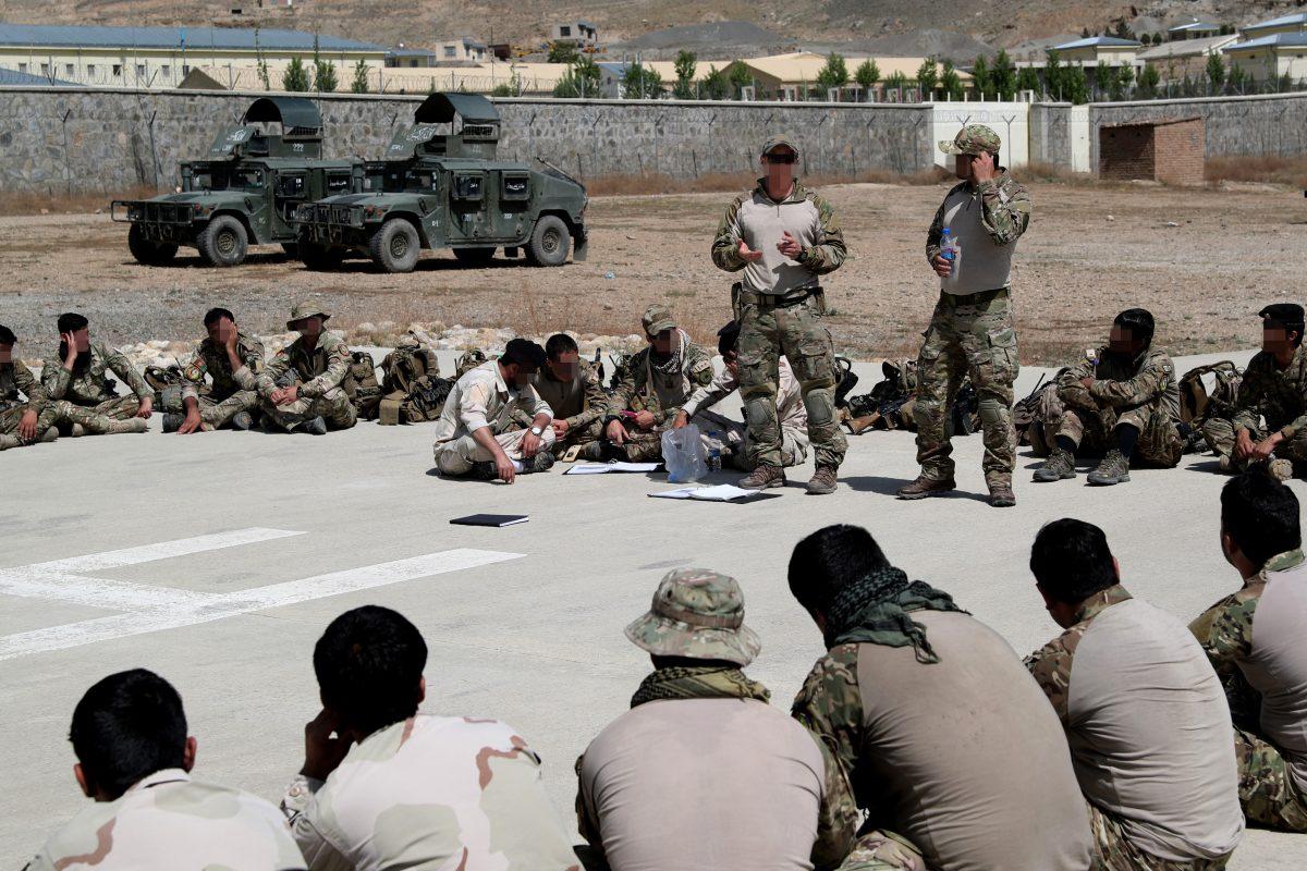 CRU-offiserer reddet av FSK i Kabul